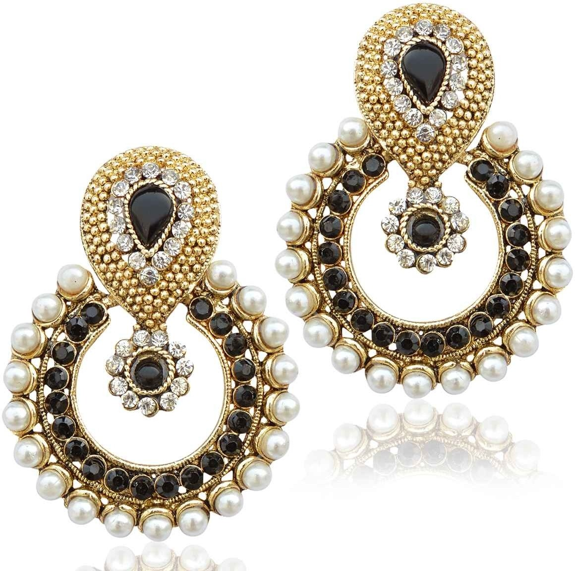 Deals - Delhi - Shop More <br> Necklaces, Chains.<br> Category - jewellery<br> Business - Flipkart.com