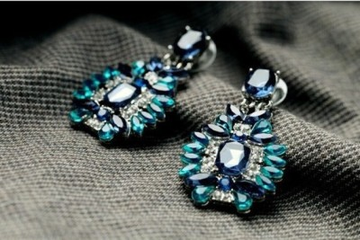 femnmas Bridal Ethnic Fashion Alloy Drop Earring