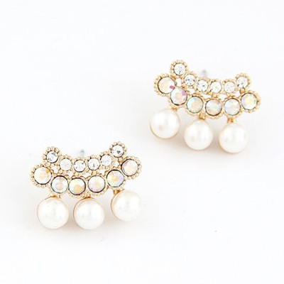 Cilver Fashion Latest Twin Row Pearl And Stone Alloy Stud Earring