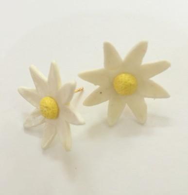 Craffiti Flower Clay Stud Ceramic Stud Earring