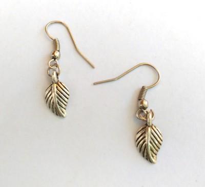 SrinidhiHandiCreations Leaf Metal Dangle Earring