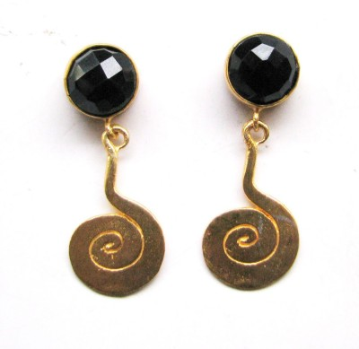 Bhrti semi precious Gold plated Onyx Brass Dangle Earring
