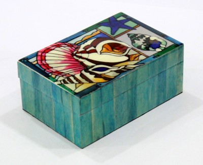 United Trade Linkers B156 Wooden Gift Box
