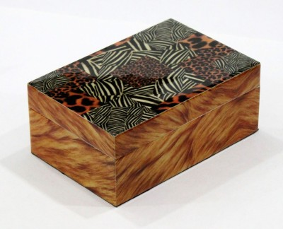 United Trade Linkers B128 Wooden Gift Box