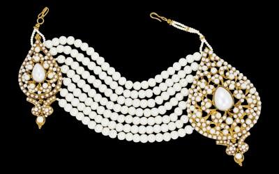 Zaveri Pearls Beautiful Passa Hair Accessory Set