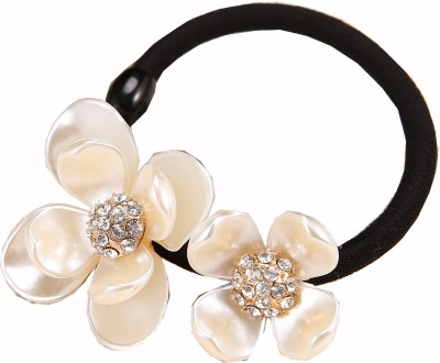 Cilver Fashion Pearl Lustre Finish Three Flowers Rubber Band