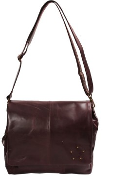 Kern Sling Bag