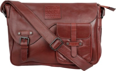 Hunt Messenger Bag