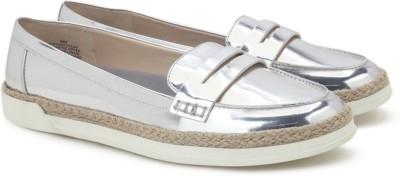 Nine West NWVERYCOLD3 Loafer(Silver) at flipkart
