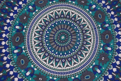 Spangle Printed 6 Seater Table Cover(Blue, Green, White, Cotton) at flipkart