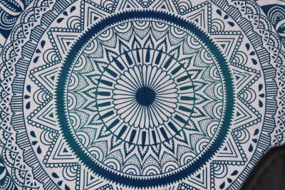 Spangle Printed 6 Seater Table Cover(Green, White, Cotton) at flipkart