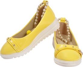 Yellow Bee Girls Slip on Jutis(Yellow)