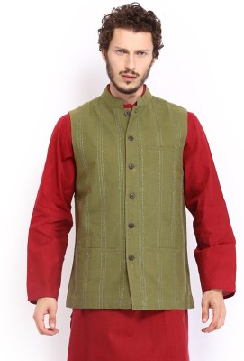 Fabindia Sleeveless Embroidered Men's Quilted Jacket