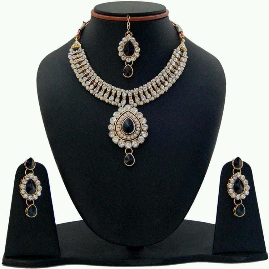 Deals - Delhi - Fashion Jewellery <br> Earrings, Pendants, Rings...<br> Category - jewellery<br> Business - Flipkart.com