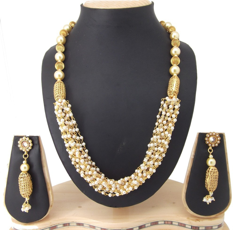 Deals - Delhi - Minimum 50% Off <br> Earrings, Necklaces, Bracelets.<br> Category - jewellery<br> Business - Flipkart.com