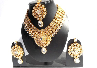 Neelam Fashions And Accessories Alloy Jewel Set(Gold, White)