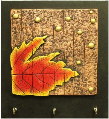 Kraftnation Mapple Leaf Terracotta Key Holder