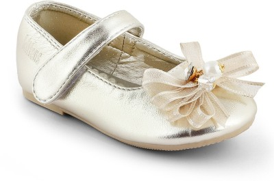 Kittens Girls Slip-on Ballerinas(Gold) at flipkart