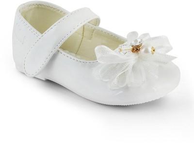 Kittens Girls Slip-on Ballerinas(White) at flipkart