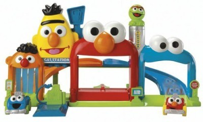 Fisher-Price Fisher-Price Sesame Street Giggle ,N Go Garage(Multicolor)