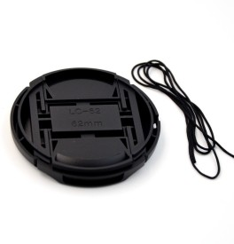 Saihan 62 mm Center Pinch Cover with String  Lens Cap