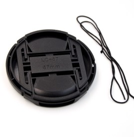 Saihan 67 mm Center Pinch Cover with String Lens Cap