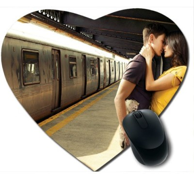 awwsme Romance On Train Platform Heart Mousepad