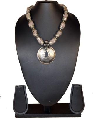 Needle Kraft Stone Necklace
