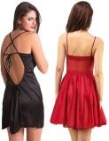 Rowena Women's Nighty (Black, Red)