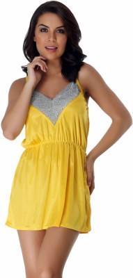 Belle Nuits Women's Nighty with Robe, Top and Capri(Yellow)