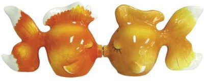 Westland Giftware Mwah Magnetic Goldfish Salt And Pepper Shaker Set