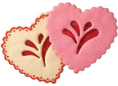 Wilton 2308 - 0334 Multi Mould Pie Crust Cutter Hearts