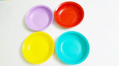 Tupperware Expression flat Solid Plastic Dish Set