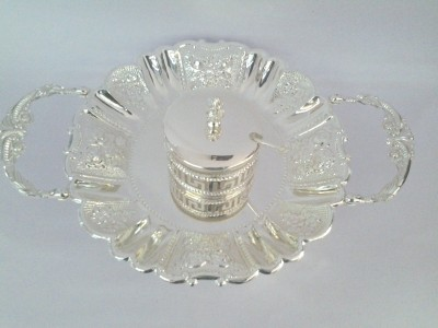 Eventz Gifts Royal round beautiful flower design Solid Silver Plated Tray Set