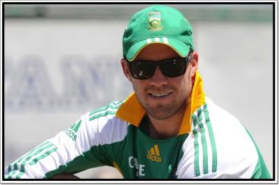 AB de Villiers Cricketer Poster Paper Print