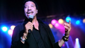 Music Lionel Richie Singers United States Wall Poster Paper Print(12 inch X 18 inch, Rolled)