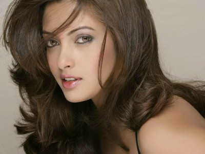 Celebrity Riya Sen Actresses India HD Wall Poster Paper Print(12 inch X 18 inch, Rolled)
