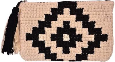 Diwaah Diwaah!! Beautiful rug hand pouch. Pouch
