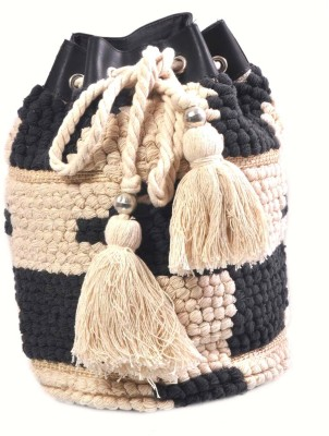 Diwaah Diwaah!! Hand crafted white mbroidered potli Pouch