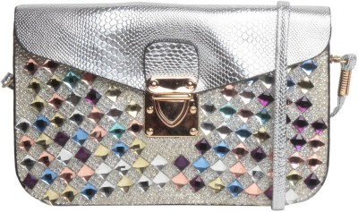 Reedra Bridal Pouch