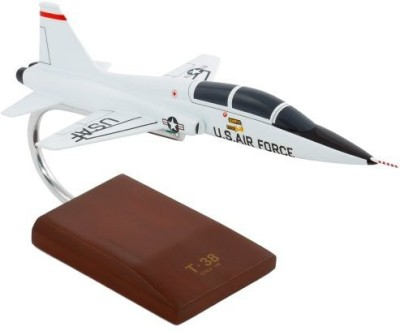 Toys and Models T-38A Talon USAF - 1/48 scale model
