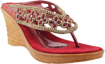 Mochi Women Maroon Wedges
