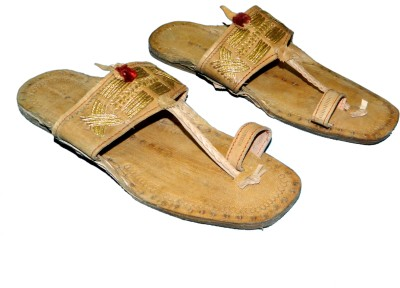 Kolapuri Center Chappal Jari Men Tan Sandals