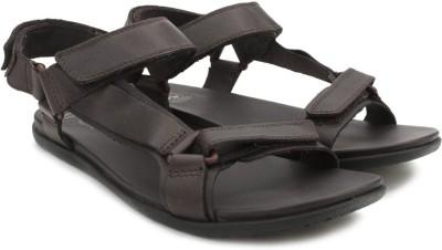 Clarks Valor Race Dark Brown Lea Men Brown Sandals
