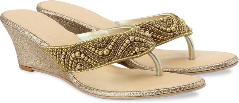 Catwalk Fashion Women Gold Wedges