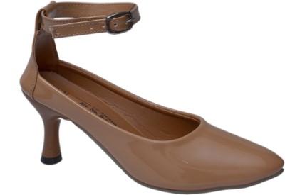 Belle Femme Women Beige Heels