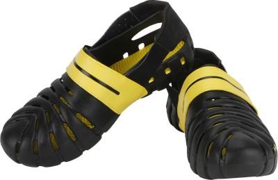 Globalite Men Black, Yellow Sandals