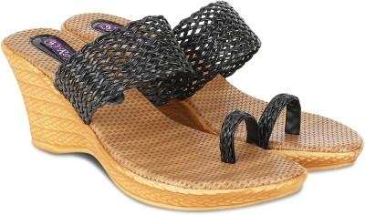 Agastya Women Black, Brown Heels