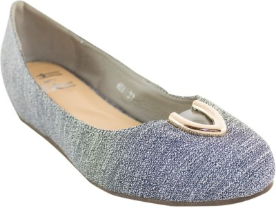 Heels & Handles Women Grey Wedges
