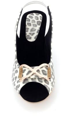 Supermine Girls White Sandals